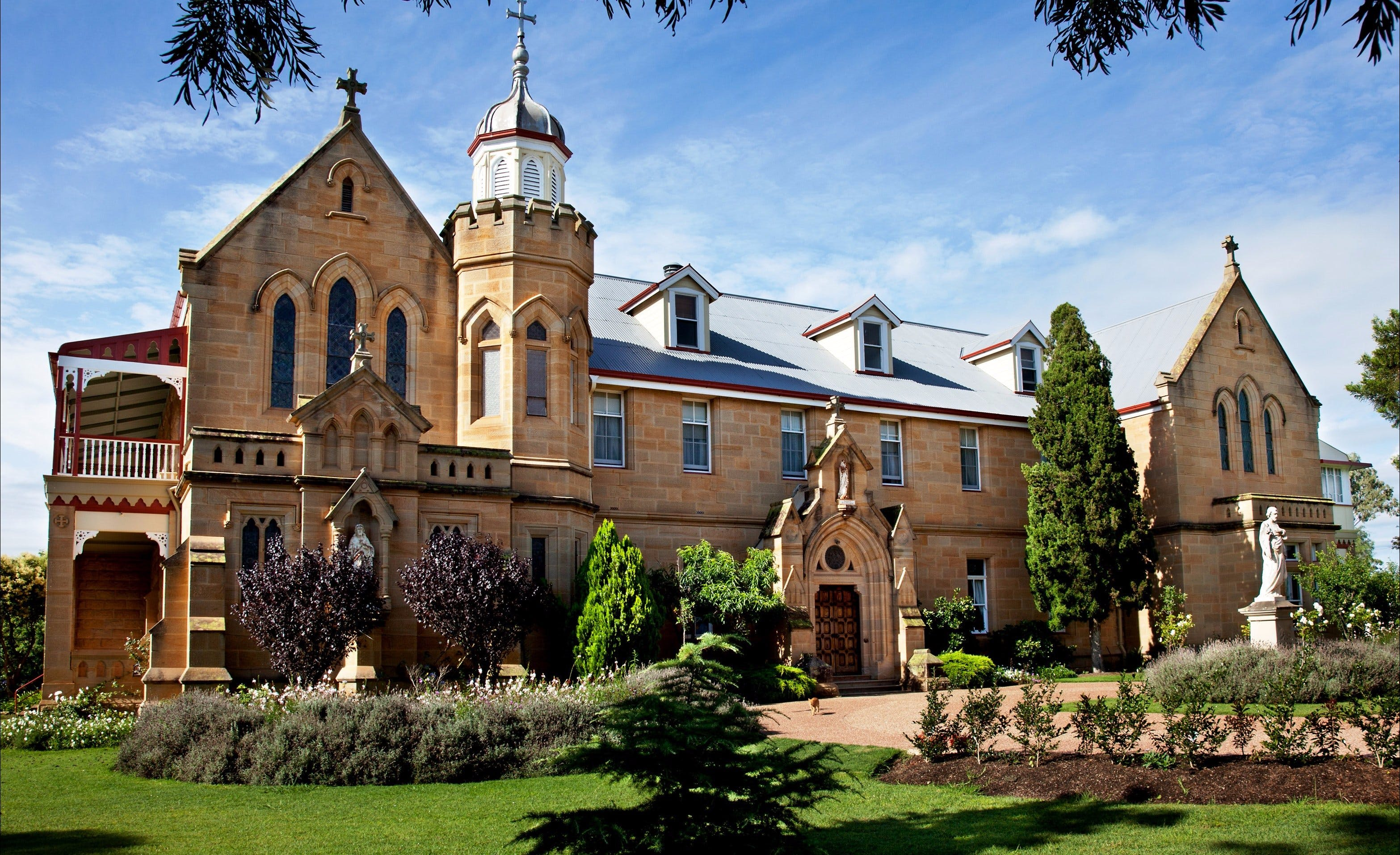 Abbey of the Roses - Taree Accommodation