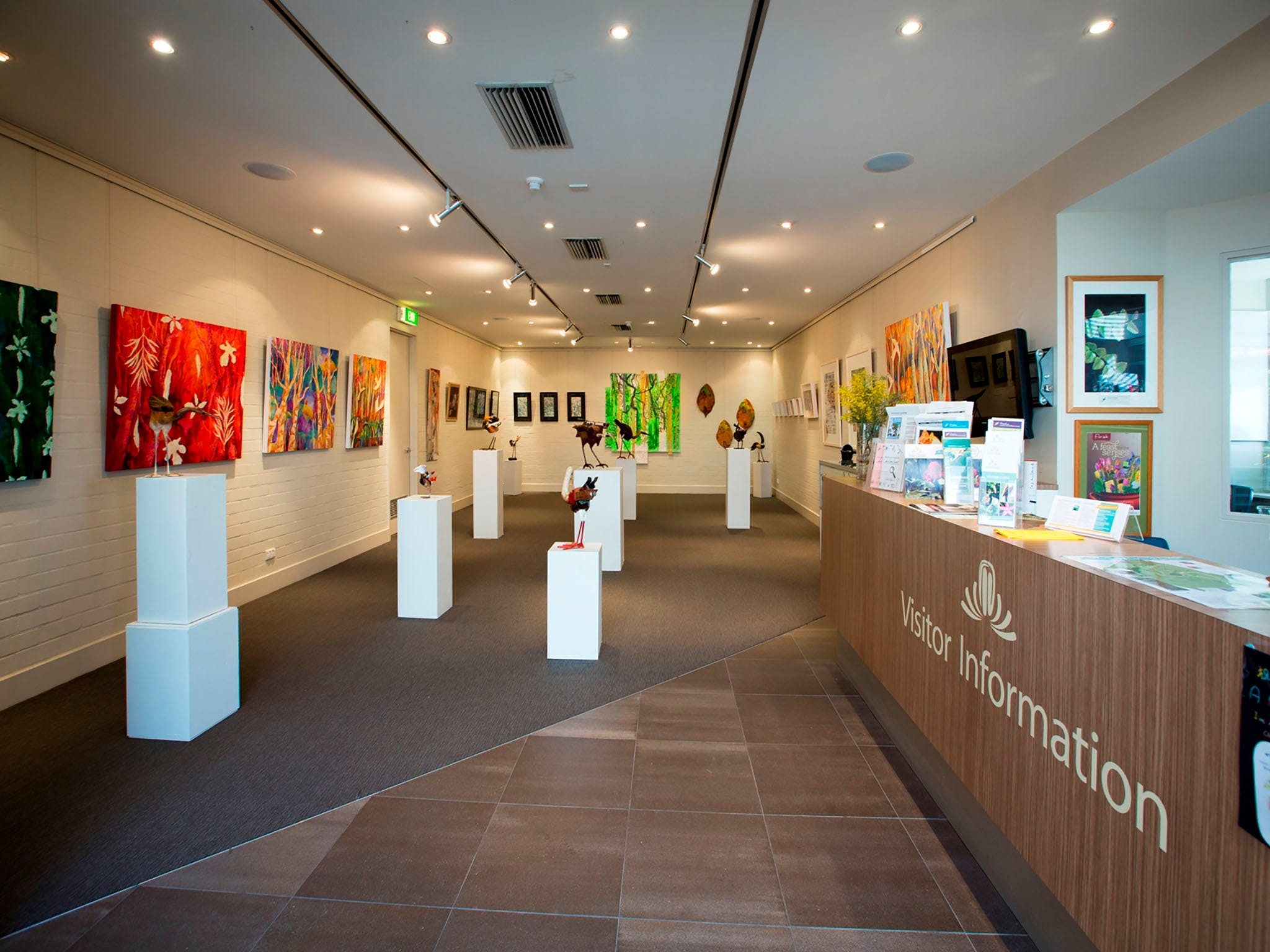 Australian National Botanic Gardens Visitor Centre Gallery - Taree Accommodation