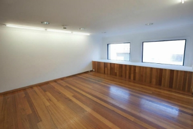Raglan Street Gallery - Taree Accommodation