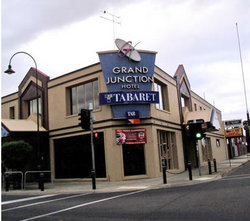 Grand Junction Hotel - Taree Accommodation