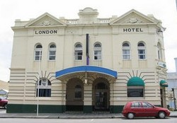 The London Hotel - Taree Accommodation