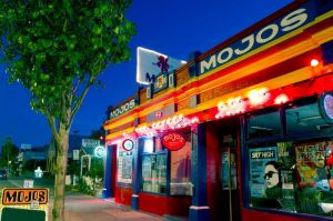 Mojo's Bar - Taree Accommodation