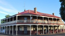 Brookton Club Hotel - Taree Accommodation