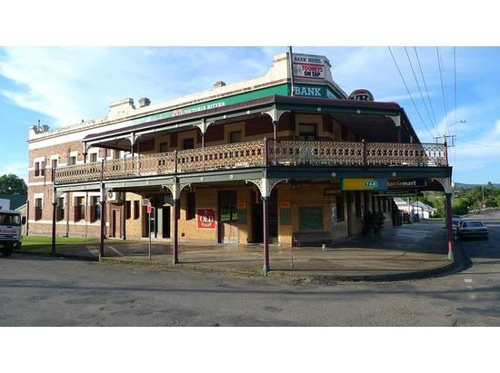 Bank Hotel Dungog - Taree Accommodation