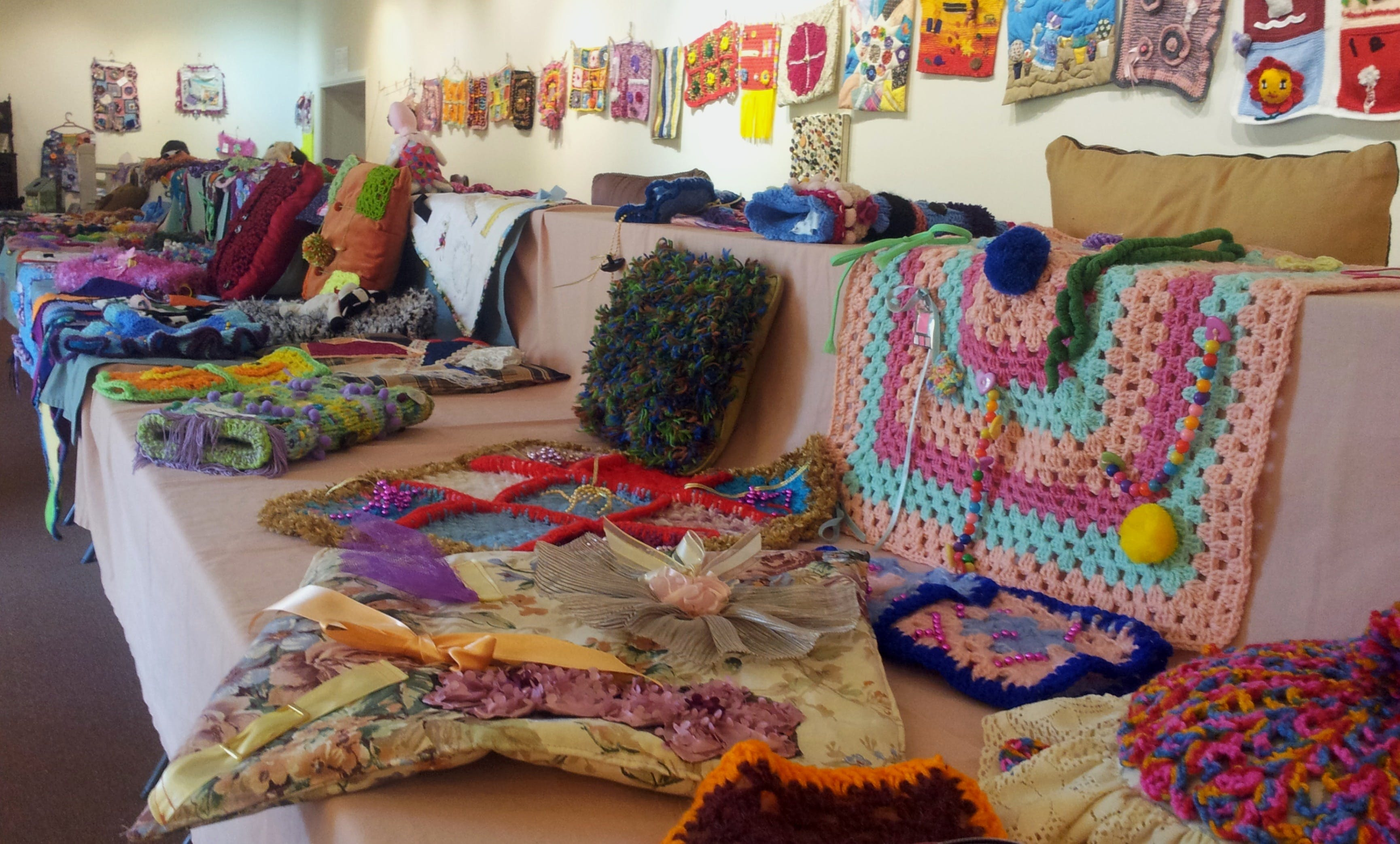 Dementia Fiddle Rug Exhibition - Taree Accommodation