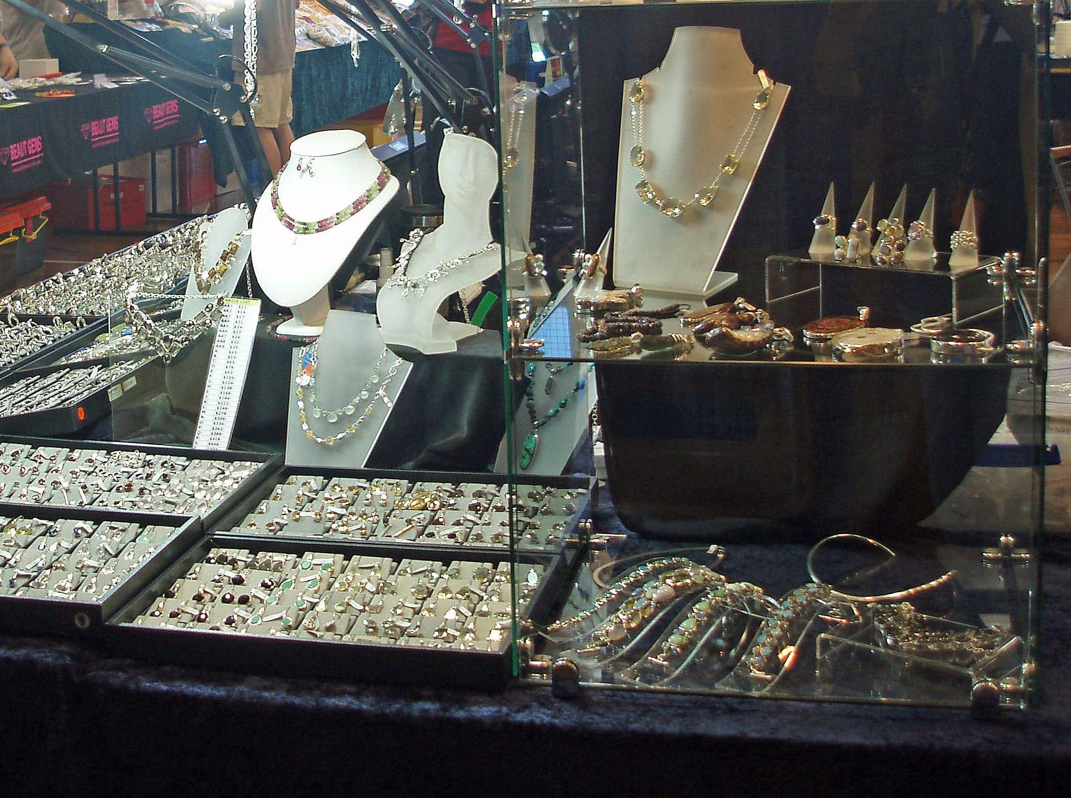 Toowoomba Gemfest - Gems and Jewellery - Taree Accommodation