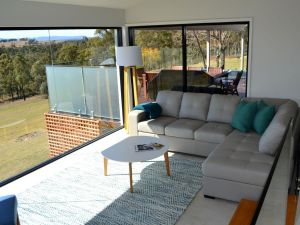 Wine Country Villas - Taree Accommodation